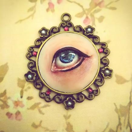 sculpture_jewelry_lover's_eye_delia_kun_5